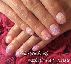 Yuko Nails And Esthetic La Deesse ジェルネイルデザイン♪ (定額制:Diamond)パステルカラーをベースに、お花のシールや同系色の3Dのバラで奥行のあるデザイン。エレガント&ゴージャスな当店オススメデザイン♪ Diamond Nails, Gel Nails, Beauty, Gel Nail, Beauty Illustration