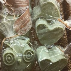 Suolasaippuat sopivat hyvin herkkäihoisille. Sisältävät merisuolaa, vihreää savea sekä spirulinajauhetta❤   #suolasaippua #salt soap#natural soap#käsintehty#handmade#tvål#käsityö#ekologinen#lahja #saippua
