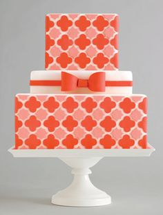 retro patterned wedding cake  @Jennifer Jordan  not sure if it's your style, just thought it was pretty :)