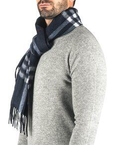 Kaschmir Schal kariert navy blau front Men Sweater, Sweaters, Fashion, Navy Blue, Cashmere, Scarves, Moda, Fashion Styles, Sweater