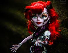 "Check out new work on my @Behance portfolio: ""Gaga diva doll 7de917"" http://on.be.net/1NxTWa8"