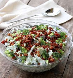 10 knallgode salater som passer perfekt til grillmaten! - LINDASTUHAUG Great Recipes, Healthy Recipes, Creative Food, Indian Food Recipes, Food Inspiration, Cobb Salad, Broccoli, Tapas, Cravings