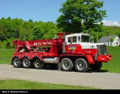 """Oshkosh All Wheel Drive With Bad-Ass """" Pettibone """" Heavy Wrecker ! Rv Truck, Big Rig Trucks, Hot Rod Trucks, Semi Trucks, Cool Trucks, Heavy Duty Trucks, Heavy Truck, Towing And Recovery, Tow Mater"""