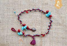 Bracciale etnico gipsy con pietre, cristalli e nappina di RorianBoutique su Etsy