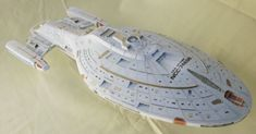 This papercraft is the USS Voyager (NCC-74656), a 24th century Federation Intrepid-class starship operated by Starfleet, famous for completing a non-schedu