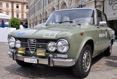 Roar... police car by Giorgio Brida
