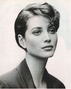 Christy Turlington for Strenesse Christy Turlington, Famous Hairstyles, Celebrity Hairstyles, Claudia Schiffer, Timeless Beauty, Classic Beauty, 90s Models, Women Models, Model Face