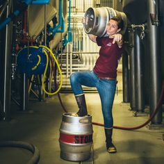 Now, we're tapping Stone Brewer's Casks TWICE a week, starting with Casey Wollbrinck's Stone Pale Ale w/Coffee, Vanilla Bean & Candied Walnuts this THURSDAY and her Stone Smoked Porter w/Coffee, Vanilla Bean & Candied Walnuts on FRIDAY! Casks tap 4PM at Stone Brewing World Bistro & Gardens - #Escondido.