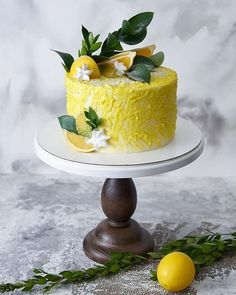 Speaking of birthday cakes, recently popular simple and generous styling cakes. We can use our simple protein sugar to make our own favorite cake. Birthday Cake Decorating, Decorating Cakes, Decorating Ideas, Cute Cakes, Pretty Cakes, Beautiful Desserts, Beautiful Cakes, Sugar Decorations For Cakes, Wedding Desserts