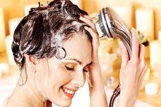 Natural hair care for summer can help you protect your hair from the heat. These hair care tips for summer are important for avoiding summer hair problems. Hair Growth Tips, Hair Care Tips, Dry Hair Treatment, Hair Treatments, Pre Shampoo, Safe Cosmetics, Regrow Hair, Luscious Hair, Brittle Hair