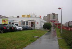 En Barrandov había dos supermercados.