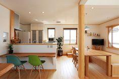 吹抜けと畳ダイニングの家   群馬(高崎・前橋)で自然素材の注文住宅なら四季の住まい