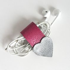 Earbud / earphone / cable organizer in silver and fuchsia pink leather handmade by RinartsAtelier