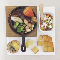 . good morning monday :-P))) . #goodmorning #morning #breakfast #yummy #goodfood #instafood #onthetable  #homemade #foodie #foodstagram #igfood #foodphotography #foodphoto #yum #2eat2gether #S_S_iloveBreakfast #朝食 #早餐 #goodmorning #早安 #おはようございます #grilledoctopu #octopus #香蒜塔口美腿佐非塔莎莎醬 #章魚腿 #たこ