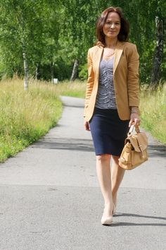 1 LOOK - 2 STYLINGS: OFFICE AND AFTER WORK
