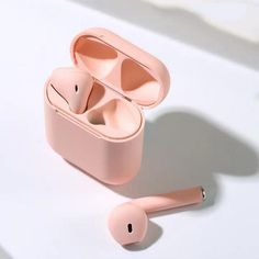 Automatically sense when they're in your ears and pause when you take them out. Finger Touch Control Technology and Siri activation. Order Now Estilo Converse, Macbook, Pop Up Window, Wireless Headphones, Pink Headphones, Iphone Headphones, Sports Headphones, Air Pods, Airpod Case