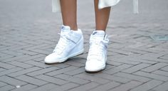 nike sky high sneakers