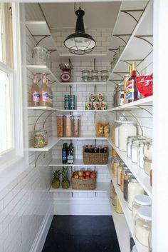 Farmhouse Kitchen Pantry Inspiration- The Best Farmhouse Pantry Inspiration – A huge collection of beautifully organized farmhouse pantries that are classic yet completely on-trend with modern farmhouse touches. Kitchen Pantry Design, New Kitchen, Kitchen Decor, Kitchen Small, Stylish Kitchen, Room Kitchen, Awesome Kitchen, Small Kitchens, Beautiful Kitchen