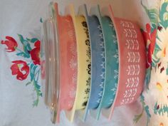 A pretty stack of vintage Pyrex 043 casseroles!
