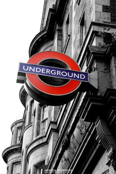 London Underground Sign :D England And Scotland, England Uk, London England, Aesthetic Japan, City Aesthetic, London Underground Train, London Live, River Thames, London Calling