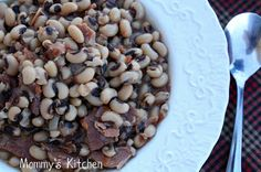 Mommy's Kitchen: Black Eyed Peas {New Years Day} A common good luck food in the southern United States, black-eyed peas are thought to bring prosperity, especially when served with collard greens