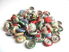 Fabric covered button set sewing supplies. $8.00, via Etsy.
