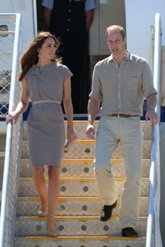 Catherine, Duchess of Cambridge and Prince William, Duke of Cambridge arrive at Ayres Rock Airport on 22.04.14 in Ayers Rock, Australia.