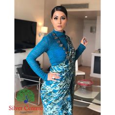 The hair the eyes the outfit - everything about look here screams perfection. Saree Draping Styles, Saree Styles, Blouse Styles, Saree Blouse Patterns, Saree Blouse Designs, Modern Saree, Saree Models, Stylish Sarees, Saree Look