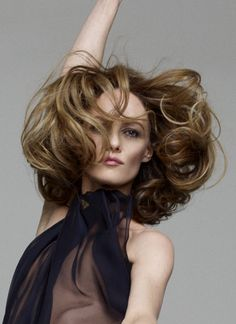 """The beautiful photo of Jean-Baptiste Mondino for the booklet of the album """"Love Songs"""" has been cropped and from five images of Vanessa only the one you see here remains, however the result is equally fascinating, 2013 Vanessa Paradis, Fashion Magazine Cover, Magazine Covers, Gainsbourg Birkin, Johny Depp, Lily Rose Depp, French Actress, Fashion Mode, Movie Stars"""