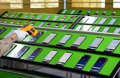 Nové video ukazuje, jak Samsung testuje telefony Galaxy S8 a S8+ - https://www.svetandroida.cz/telefony-galaxy-s8-baterie-201704?utm_source=PN&utm_medium=Svet+Androida&utm_campaign=SNAP%2Bfrom%2BSv%C4%9Bt+Androida