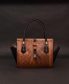 """Сумка из кожи и дерева """"First"""" Кто сказал, что модные вещи непрактичны? Компания Coob и Nautilus снова опровергает этот стереотип. Перед Вами — новая сумка из дерева и кожи «First». Универсальная и невероятно удобная."""