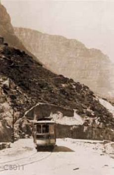Vintage Historical Cape Town photos - old pictures of Cape Town - definitely worth a look! Old Pictures, Old Photos, Old Buildings, African History, Backpacker, Countries Of The World, Cape Town, Live, South Africa