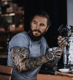 Tattoed Guys, Sexy Tattooed Men, Bearded Tattooed Men, Bearded Men, Hot Guys Tattoos, Boy Tattoos, Sleeve Tattoos, Tattoo Man, Sailor Tattoos