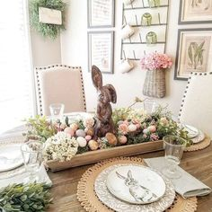 I found these sweet little bunny plates last spring Piers Enmann and used the colors as my inspiration for this Easter table in my kitchen nook. Easter Bunny Centerpiece, Diy Easter Decorations, Diy Osterschmuck, Easy Diy, Easter Table Settings, Hoppy Easter, Easter Eggs, Easter Holidays, Easter Party