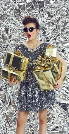 Holiday christmas party outfit work 26 b. Christmas Party Outfits, Christmas Fashion, Christmas Holidays, Merry Christmas, Xmas, Fashion Shoot, Look Fashion, Editorial Fashion, Party Photography