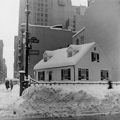 "Fifth Avenue and 48 Street, blizzard of 1947 It's Virginia Lee Burton's ""The Little House""! ~PC"