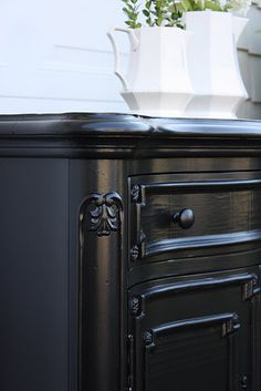 The Yellow Cape Cod: Glossy Black Finish Vs. Rubbed Black Finish (And a Tutorial using Martha Stewart Silhouette) Black Painted Furniture, Refurbished Furniture, Repurposed Furniture, Furniture Makeover, Black Painted Dressers, Painted Chest, Vintage Furniture, Furniture Projects, Home Furniture