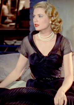Grace kelly in rear window the simplicity of this wrap for Grace kelly fenetre sur cour
