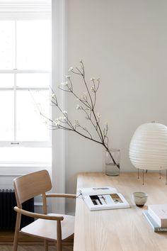 Interior Design Minimalist, Minimalist Office, Minimalist Furniture, Scandinavian Interior Design, Minimalist Home Decor, Scandinavian Home, Modern Minimalist, Minimalist House, Simple Interior