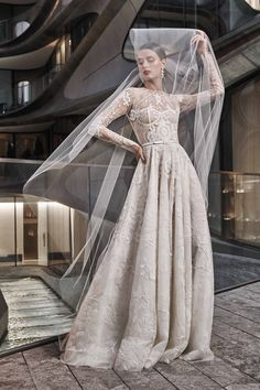 Naeem Khan Herbst/Winter Bridal - Fashion Shows Naeem Khan Wedding Dresses, Naeem Khan Bridal, Wedding Dresses 2018, Bridal Dresses, Bridesmaid Dresses, Long Sleeve Wedding, Wedding Dress Sleeves, Dress Wedding, Lace Ball Gowns