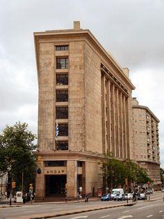 Edificio ANCAP.  Arq. Rafael Lorente Escudero. Década de 1940. Centro, Montevideo.