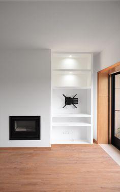 • ARCOZELO APARTMENT • apartment interior refurbishment • fireplace & shelves | Portohistórica Construções S.A.