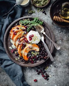 """Roasted pumpkin with black beans and honey tahini dressing. Recipe in english if you scroll down on my blog. Hello November! 