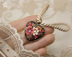 AUTUMN FLOWERS brown pendant. Heart shape brass tone by Filigrina