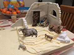 www.presepioelettronico.it forum topic.asp?TOPIC_ID=7465 Nativity House, Christmas Nativity Scene, Christmas Home, Christmas Flowers, Diy And Crafts, Recycling, Projects To Try, Lion Sculpture, Craft Ideas