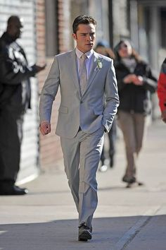 Chuck Bass wears the Ermenegildo Zegna Chevron Patterned suit on Gossip Girl. Gossip Girls, Mode Gossip Girl, Gossip Girl Fashion, Im Chuck Bass, Ed Westwick, Perfect People, Grown Man, Mens Fashion, Fashion Outfits
