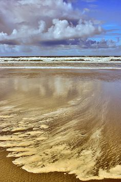 ~~Espuma del mar | sea foam, San Vincente de la Barquer, Cantabria, Spain by IrreBerenT~~