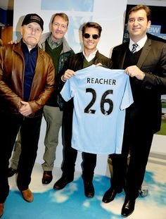 Tom Cruise Photos - Tom Cruise attends the Manchester derby as part of their European Tour. - Zimbio