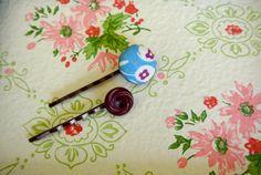 vintage feedsack covered button clips flower by regansattic