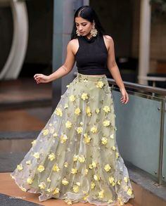 Daina Alwin's media statistics and analytics Lehnga Dress, Ball Gown Dresses, Bridal Dresses, Indian Designer Outfits, Designer Dresses, Ethnic Outfits, Indian Outfits, Kalamkari Dresses, Bridal Lehenga Online
